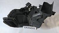 Климатическая установка Mitsubishi Grandis 7802A176