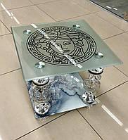 Столик журнальный ,квадратный ,стеклянный на серебряных  ножках, Роза