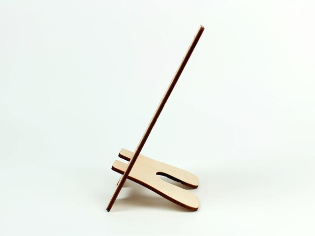 Настільна дерев'яна підставка для телефону