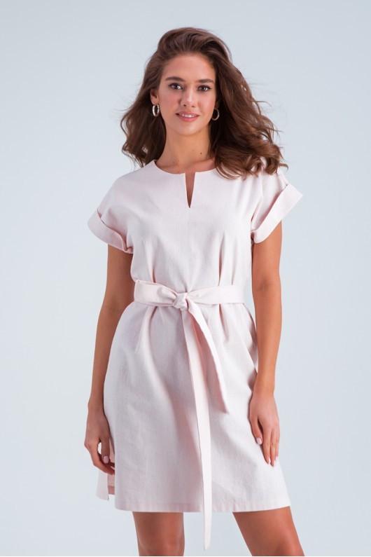 Легкое льняное летнее платье с коротким рукавом и поясом, длина выше колен. Персикового цвета