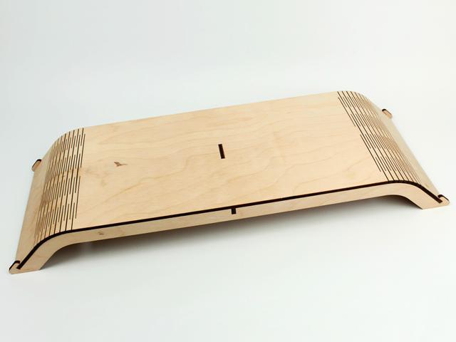 Подставка под монитор из дерева в современном дизайне
