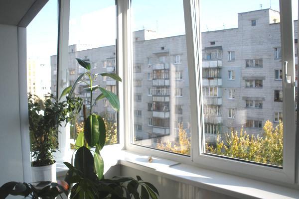 П-образный балкон, вид изнури