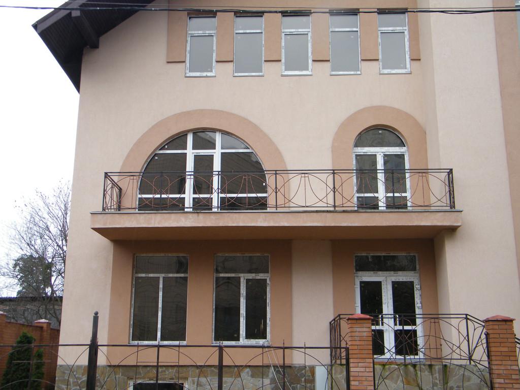 Арочные окна и двери.