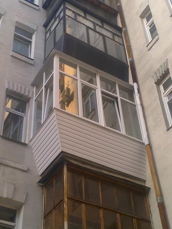 Остекление балкона в квартире с высокими потолками