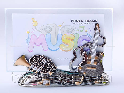 Фоторамка с декором Music