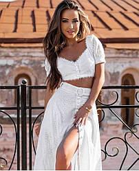Білий жіночий костюм двійка топ+спідниця довжини міді
