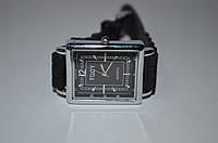Мужские наручные часы на ремешке