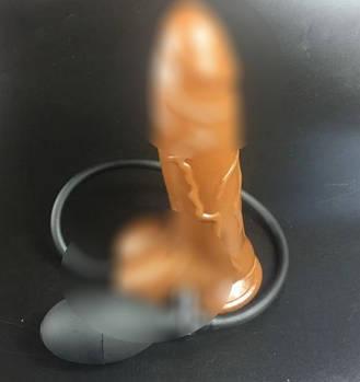 Надувний пеніс золотистий з грушею