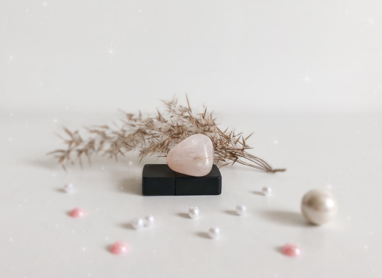 Розовый кварц - галтовка (3), 8 г