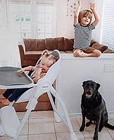 Удобный и надежный стульчик для кормления Cocoon от Oribel