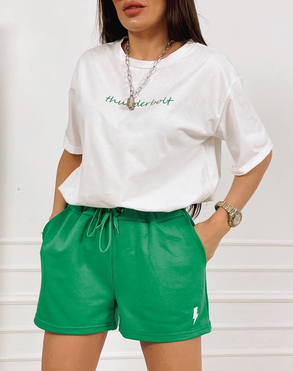 Літній жіночий костюм шорти і біла футболка оверсайз