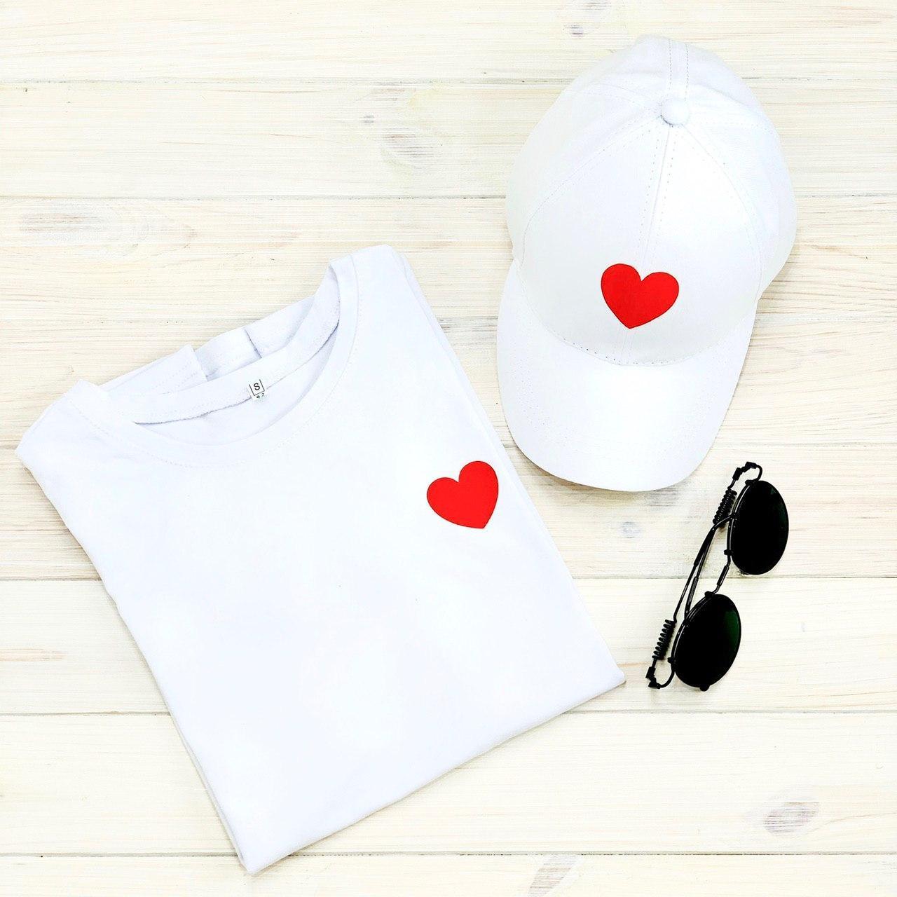 Футболка жіноча + кепка біла з принтом Heart серце