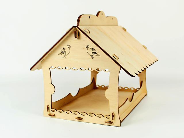 Декоративные кормушки для птиц подвесная 25х25х30 с оригинальным узором