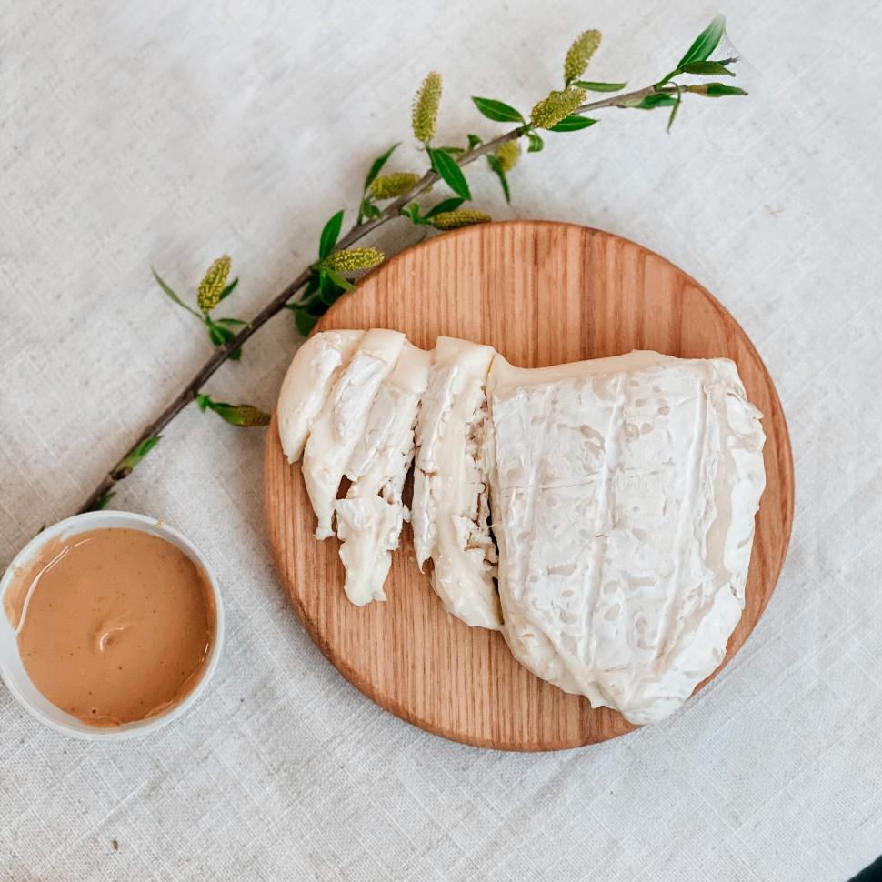 Доска сырная для подачи Brie