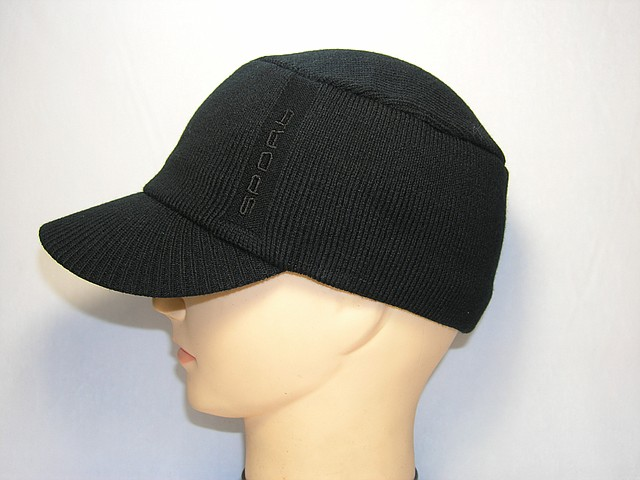Вязанная кепка подростковая
