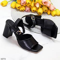 Лаконичные черные женские кожаные босоножки натуральная кожа на каблуке