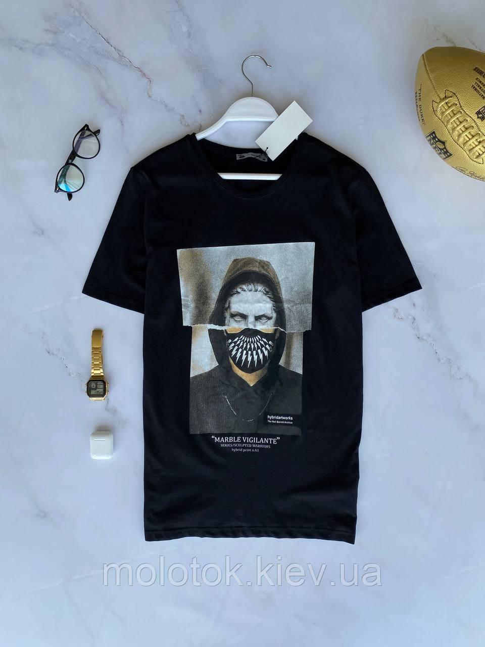 Мужская летняя футболка черная