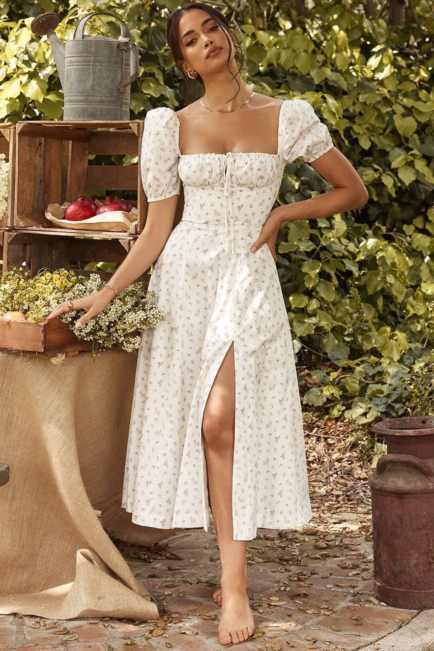 Приталенное платье по фигуре цветочное с акцентом на груди и коротким рукавом (р. S-M) 68032680