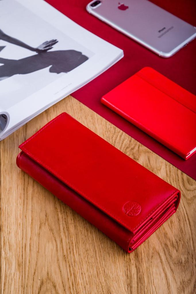 Жіночий шкіряний гаманець Betlewski з RFID 17,5 х 8,5 х 2,5 (BPD-DZ-12)- червоний