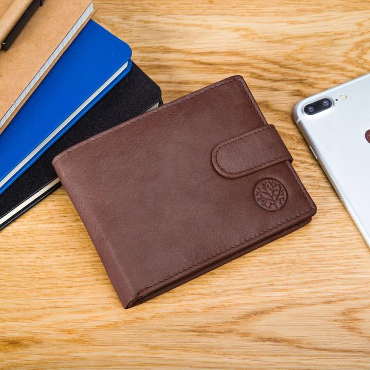 Чоловічий шкіряний гаманець Betlewski з RFID 9,6 х 12,5 х 2,5 (BPM-GTAN-60) - коричневий