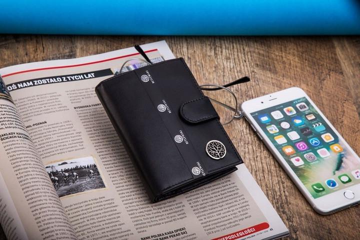 Чоловічий шкіряний гаманець Betlewski з RFID 9,5 х 13 х 2,5 (BPM-KE-64) - чорний