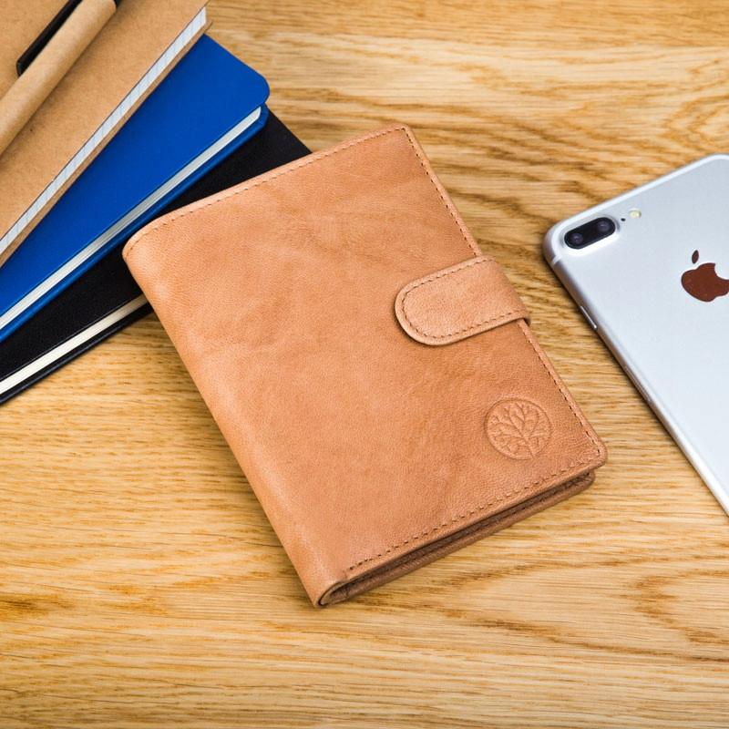 Чоловічий шкіряний гаманець Betlewski з RFID 12,9 х 10 х 2,5 (BPM-GTAN-993) - пісочний