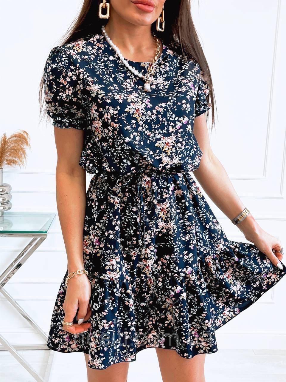 Жіноче плаття в квітковий принт
