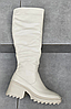 Сапоги женские бежевые из натуральной кожи на небольшом каблуке