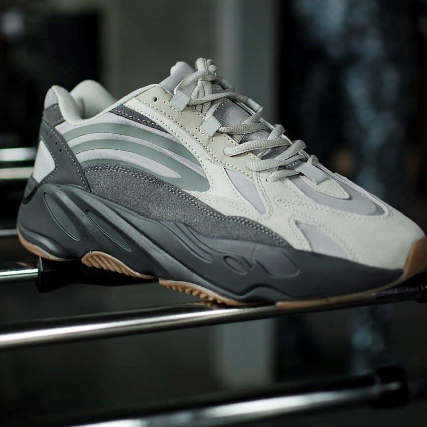 Adidas Yeezy 700 Tephra