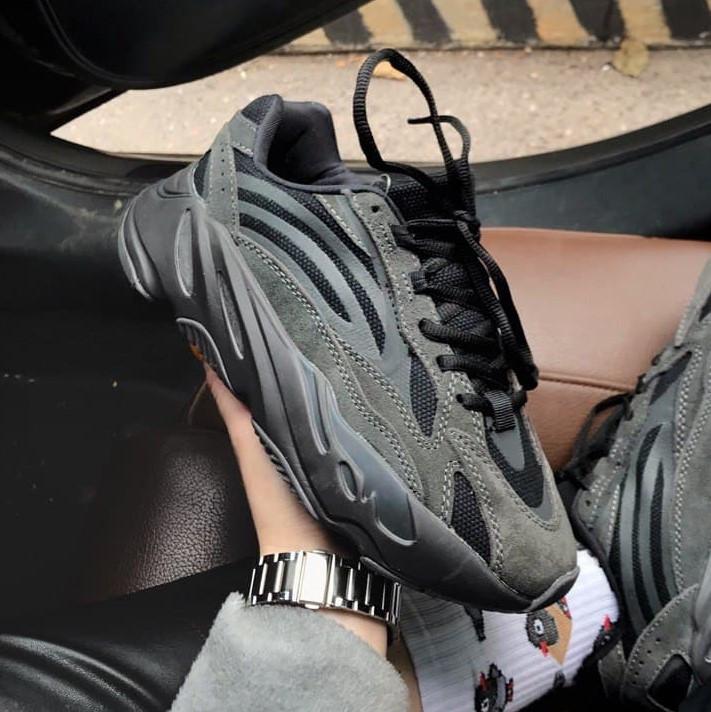 Adidas Yeezy 700 Black