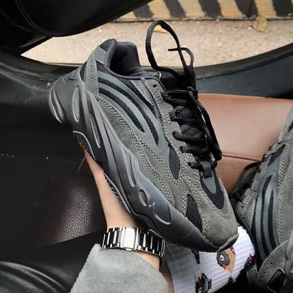 Adidas Yeezy 700 Black, фото 2