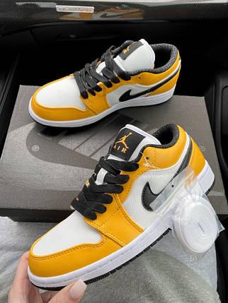 Женские кроссовки Nike Air Jordan 1 Retro Low Yellow, фото 2