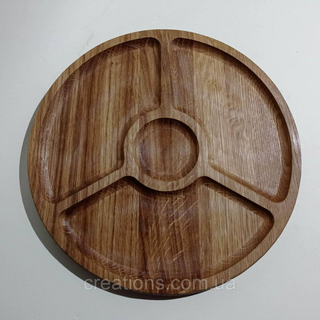 Менажница деревянная доска для подачи блюд 30 см. круглая на 3 секции с соусницей двусторонняя