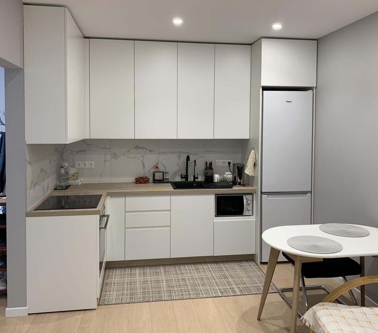 Кухня на замовлення в сучасному стилі. Кухня під стелю. Кухня 2021 року модель