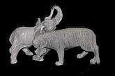 Статуетки з каменю і кам'яної крихти