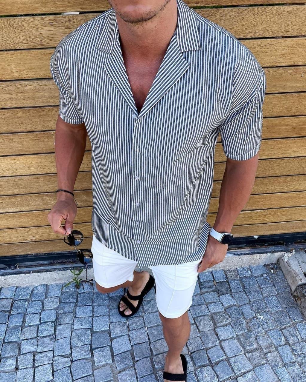 Мужская легенькая рубашка черно-белого цвета
