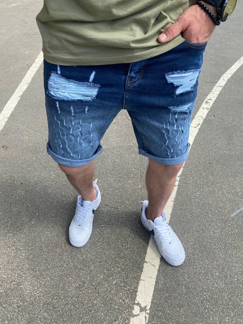 Мужские джинсовые шорты МОМ синие с заплатками