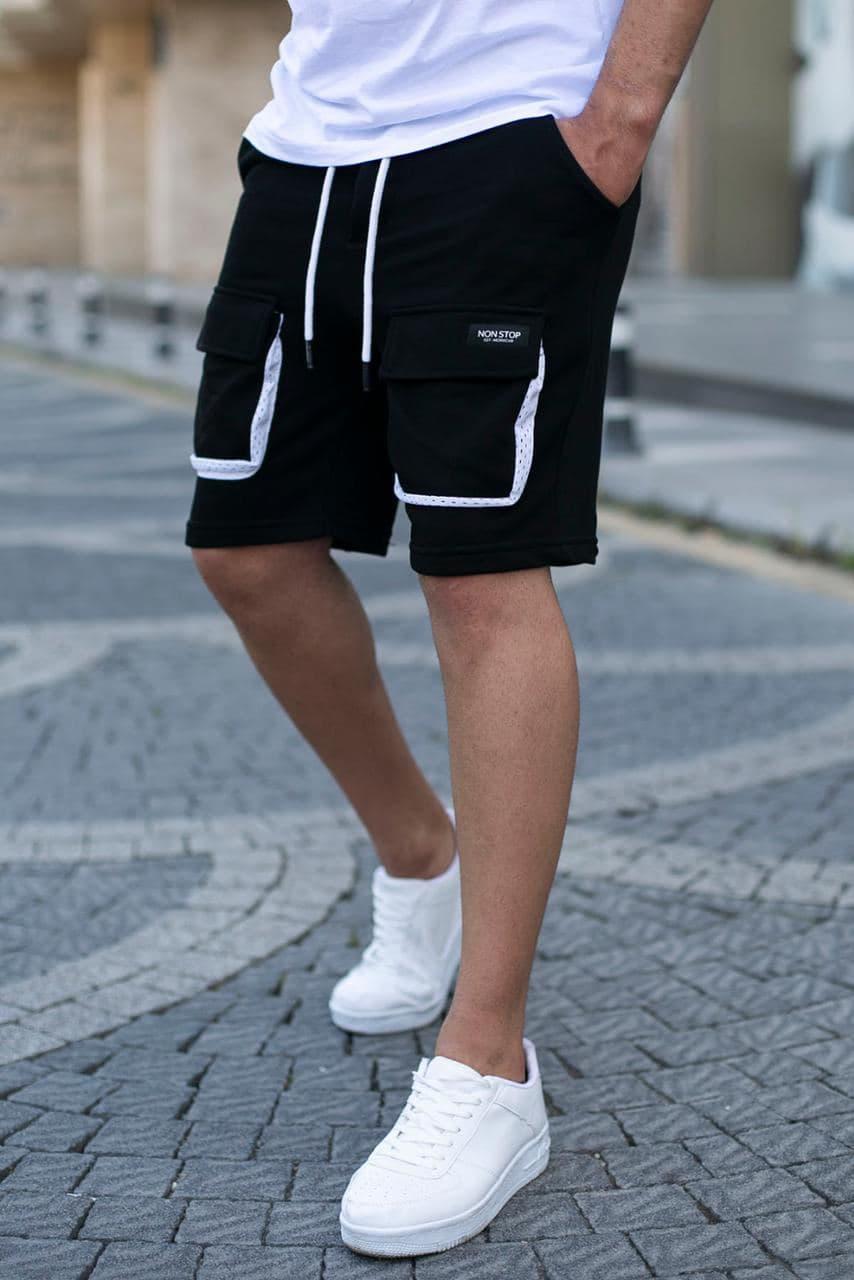 Мужские трикотажные шорты черного цвета с накладными карманами