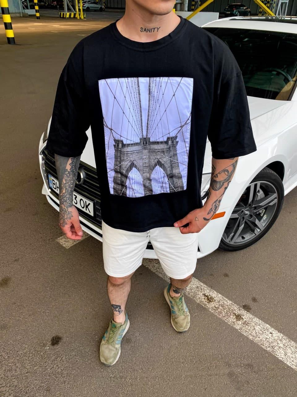 Чоловіча футболка oversize з принтом чорного кольору