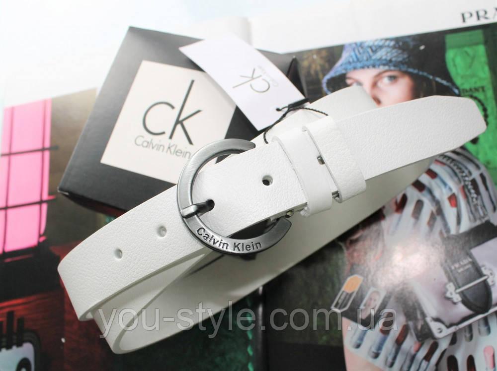 Жіночий шкіряний ремінь пряжка срібло хром Calvin Klein білий