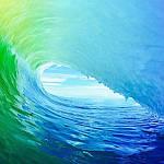 Почему море синее?