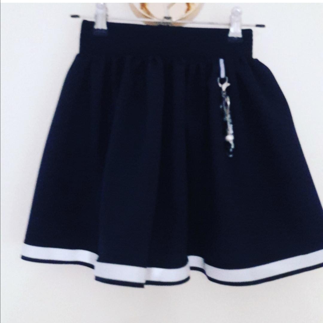 Красивая школьная юбка для первоклассницы.