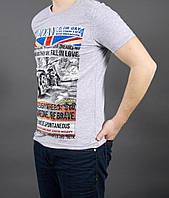 Мужская футболка светло серого цвета