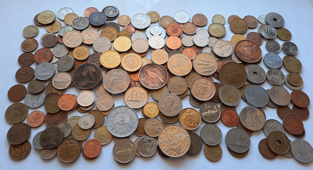 Монеты Мира 250 шт.