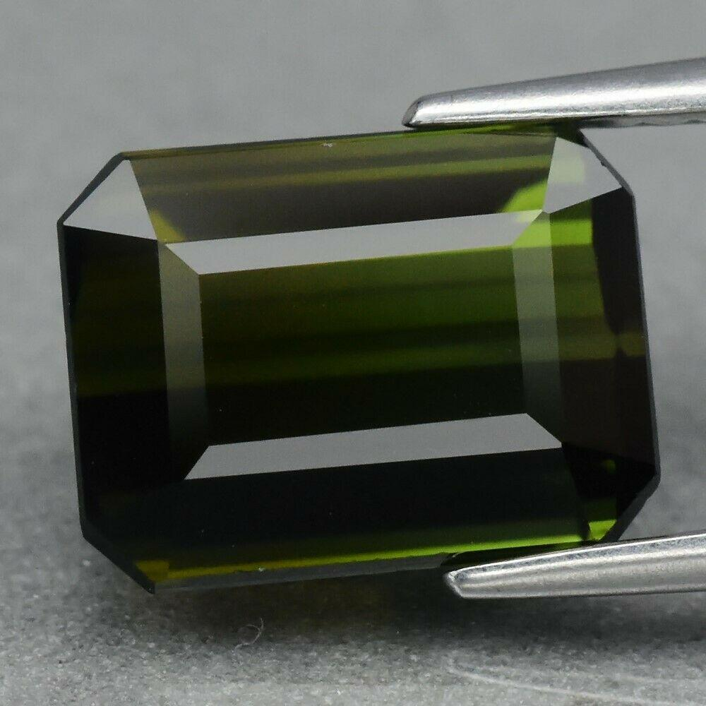 Натуральный турмалин 3.49 ct  9.7 x 7.3 x 5.3 mm