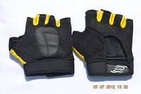 Перчатки для занятий спортом и езды на велосипеде