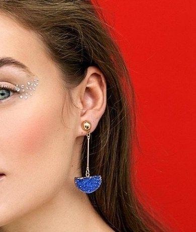 Сині довгі сережки необроблений камінь
