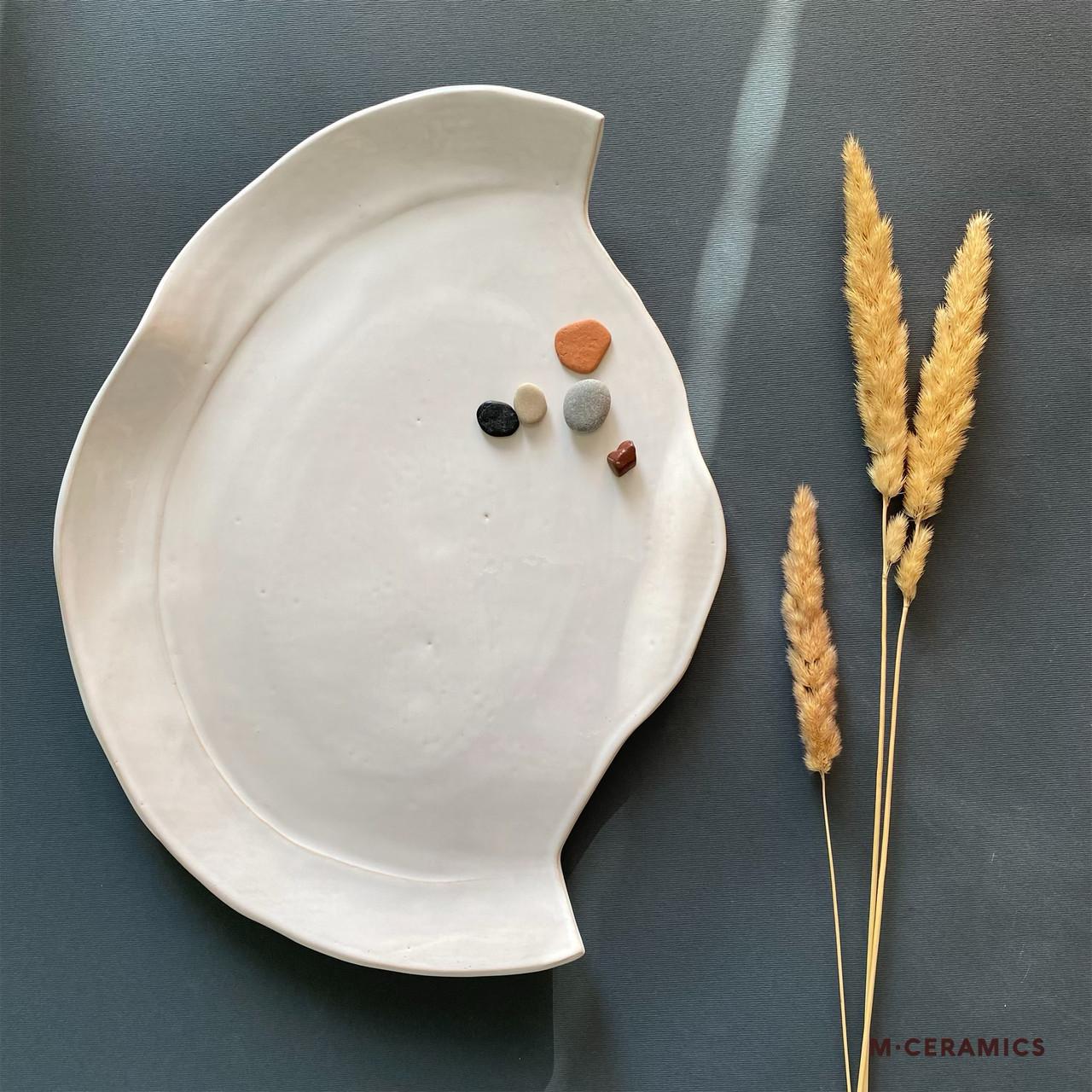 Блюдо керамическое Белое ручной работы
