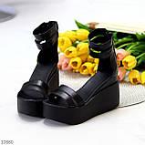 Ультра модные черные кожаные женские босоножки натуральная кожа на танкетке платформе, фото 3