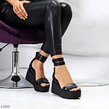 Ультра модные черные кожаные женские босоножки натуральная кожа на танкетке платформе, фото 4
